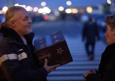 Werktalent brengt kerstpakketten bij klant Simon Loos / Sligro in Rotterdam